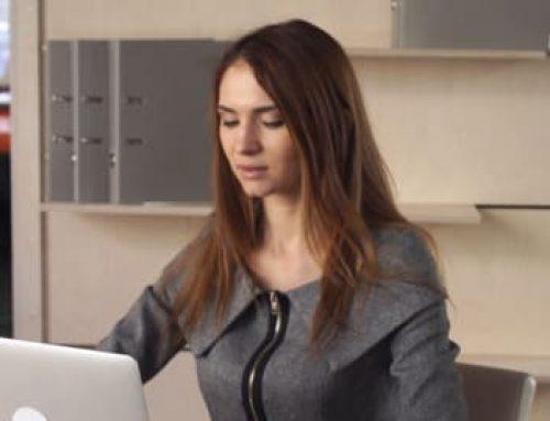 Aprenda Como Conquistar Uma Colega de Trabalho