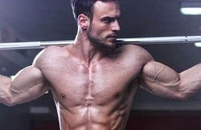 homem-forte-carregando-peso